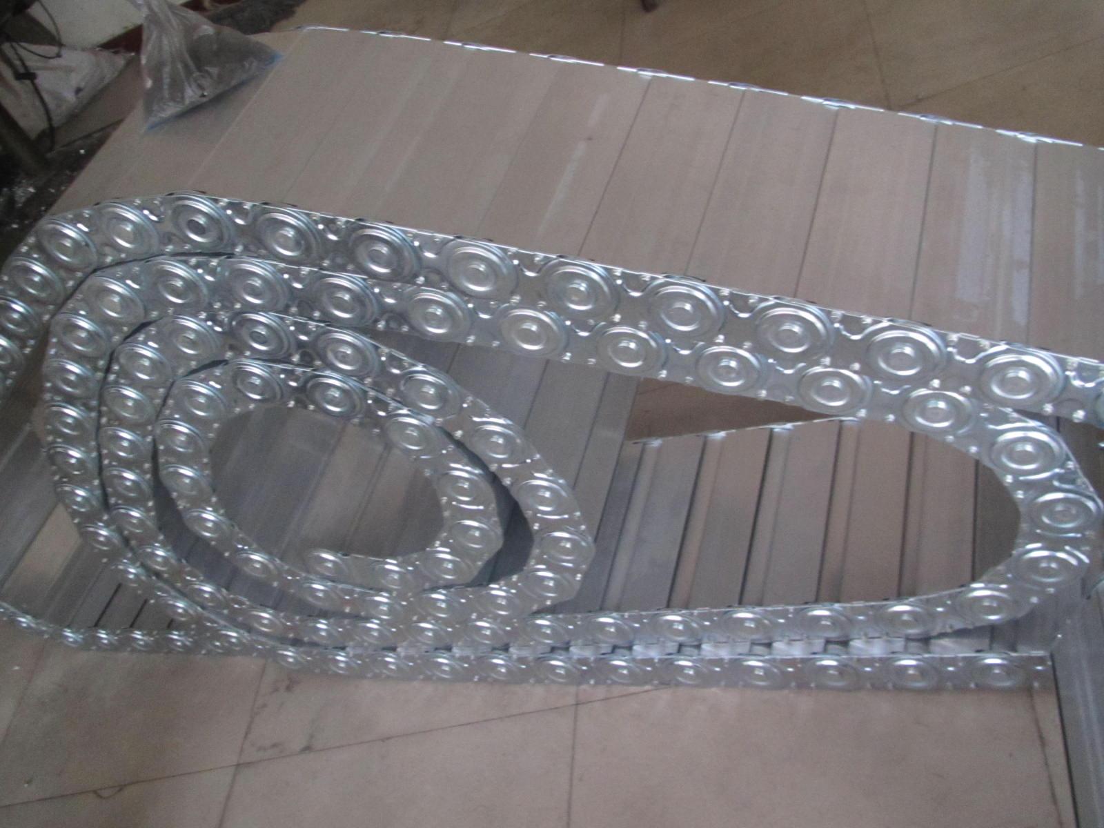 承重型穿线钢制拖链产品图