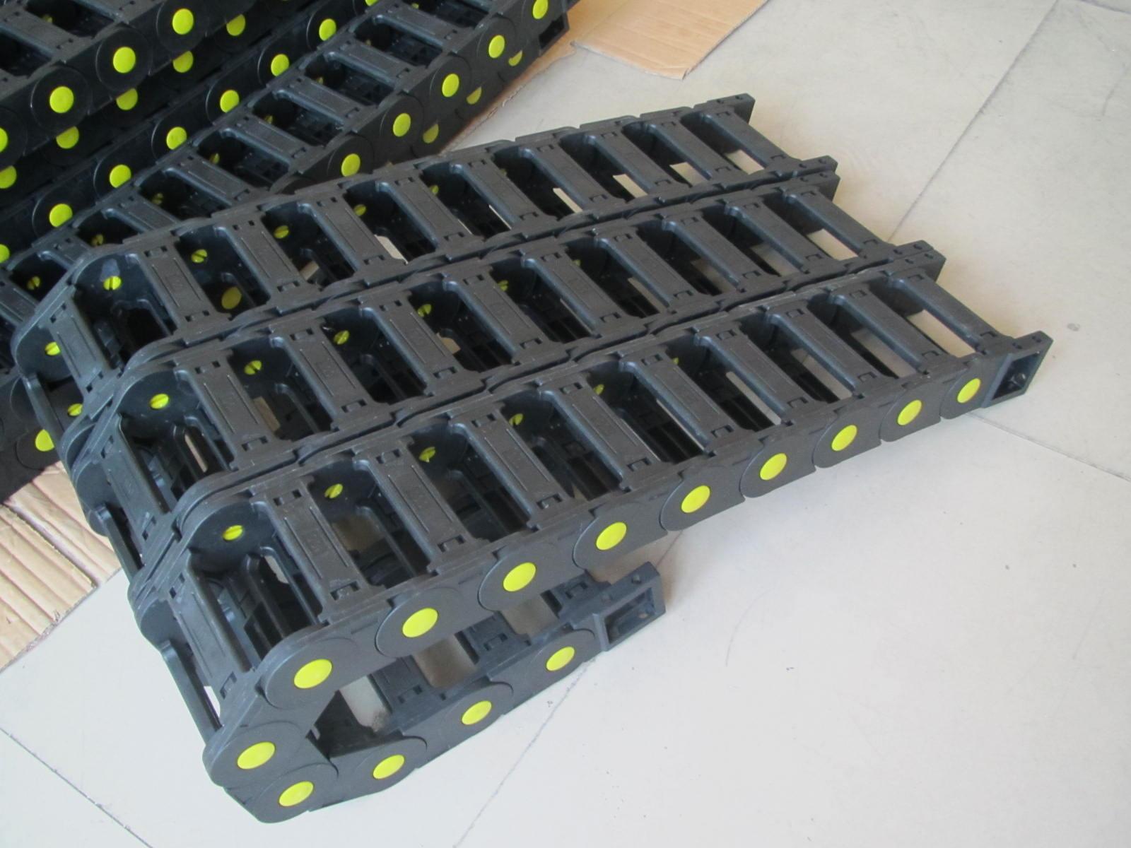封闭式电缆防护塑料拖链产品图